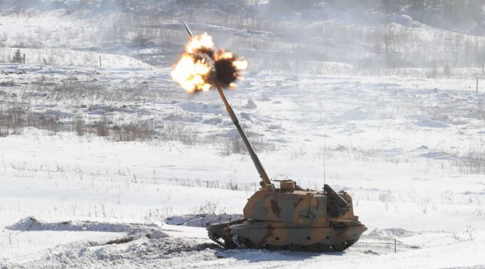 155mm Msta S SPH Firing